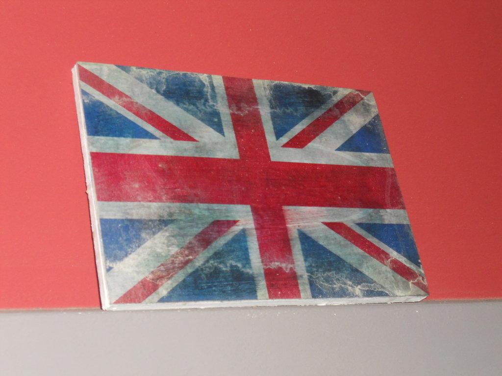 Quadretto UK vintage in legno con bandiera inglese