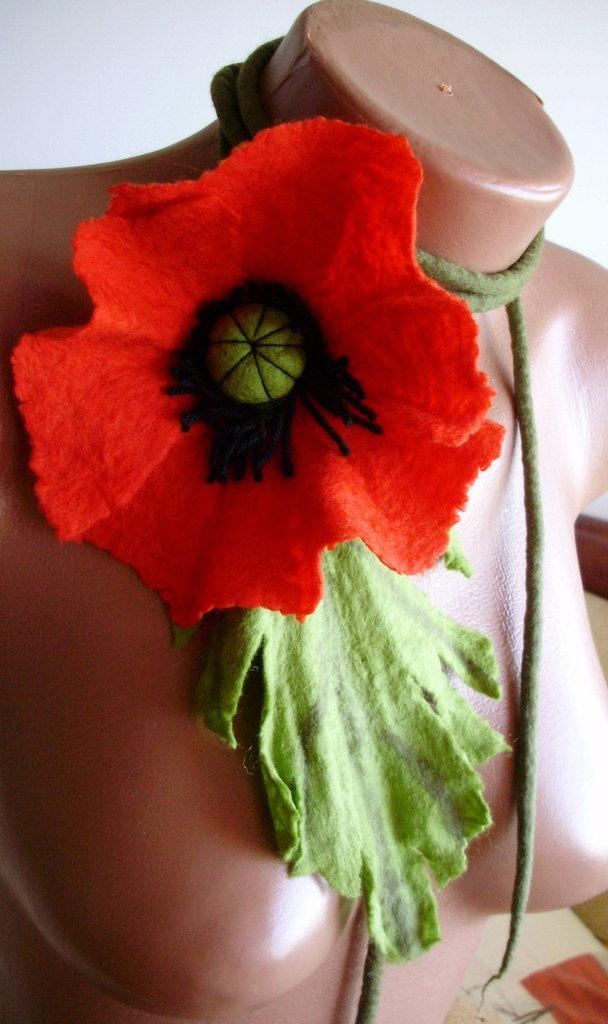 collana Fiore rosso