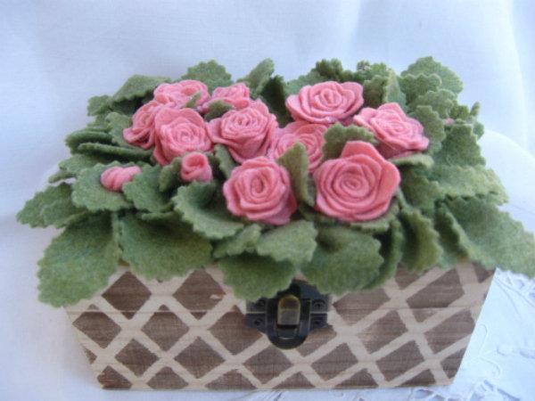 aiuola rose rosa