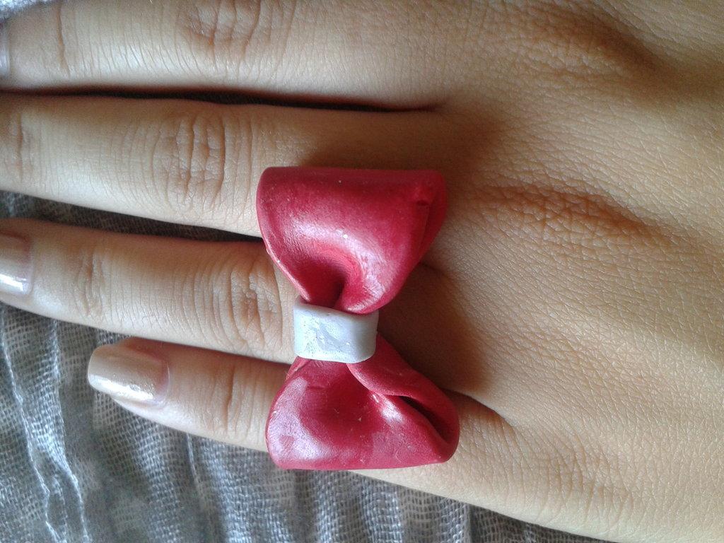 anello con fiocco
