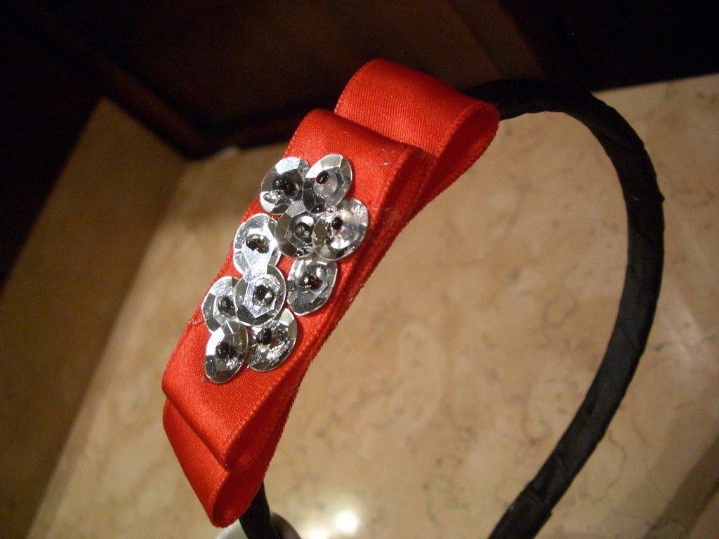 Cerchietto fiocco rosso e silver