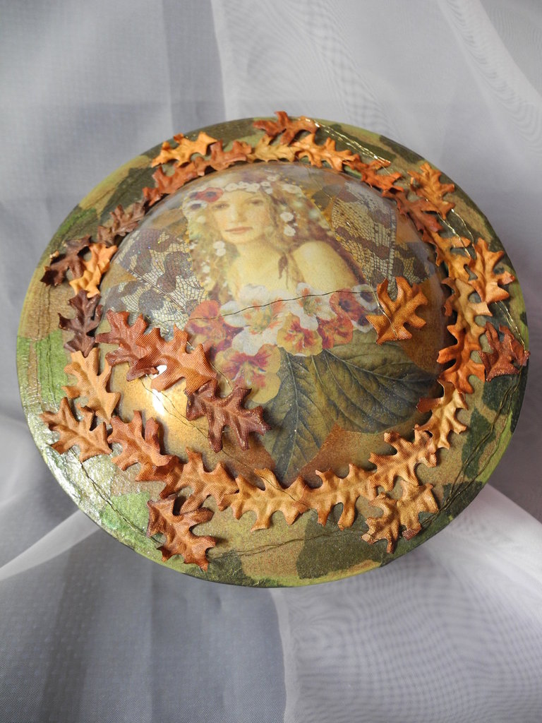 Scatola di legno decorata