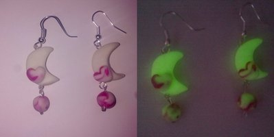 Orecchini in fimo fluorescenti