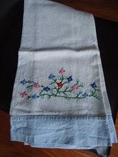 Asciugamano di cotone ricamato cod.1