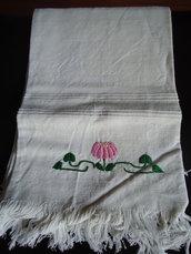 Asciugamano di cotone ricamato cod.2
