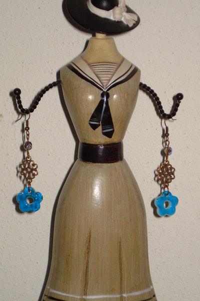 orecchini a fiore blu