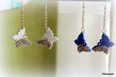 orecchini anallergici con farfalle brillanti