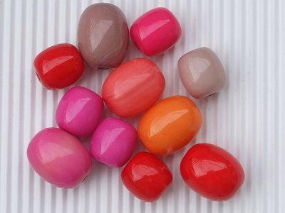 11 perle in lucite di 2 misure vend.