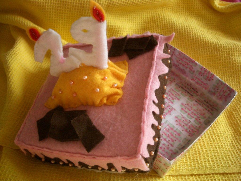 Porta gioie torta compleanno
