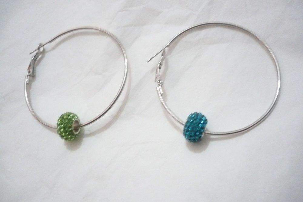 Orecchini cerchietti grandi con beads swarovski bellissimi
