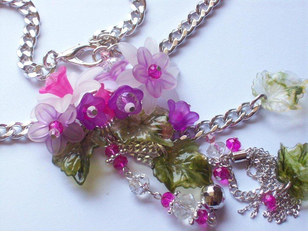 collana con fiori in lucite cristallo e swarovski!