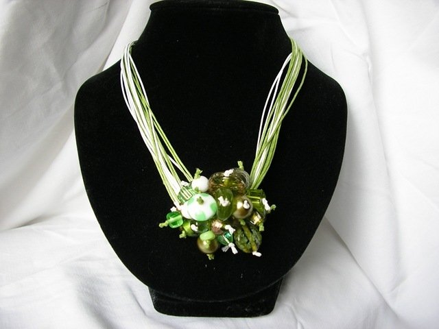 Collana Pon Pon verde