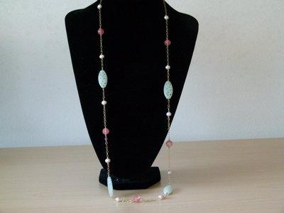 Collana in ossidiana rossa, impasto di giada, perle di fiume montate su argento