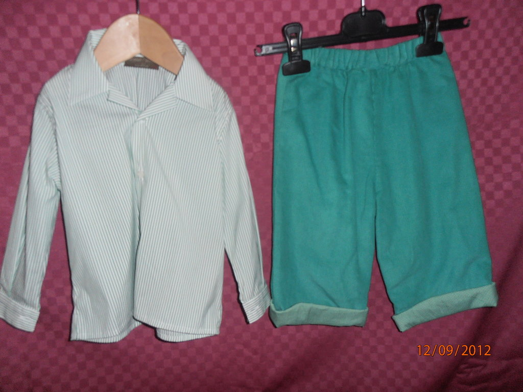 Completo maschio pantalone verde e camicia a righe--------Little boy outfit with green trousers and striped shirt