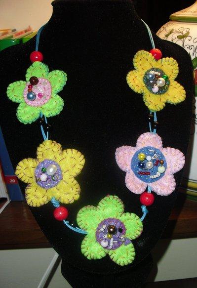 collana fiori feltro