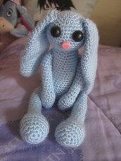 Pupazzo coniglio amigurumi uncinetto handmade