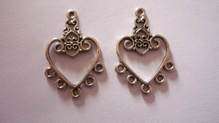 """Chandelier """"Valentine heart"""", argentato anticato, 5 asole, Nickel free."""