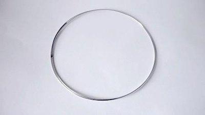 Bracciale armonico argentato, memory wire, Nickel free. Diametro: 5,5 cm. Spessore: 1 mm.
