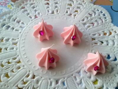 Ciuffo di panna rosa  +  strass