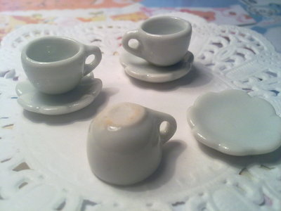 Tazzine da caffè in ceramica bianca