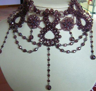 collana girocollo in mezzo cristallo viola,rosso,marone,azzuro,verde,fatta a mano