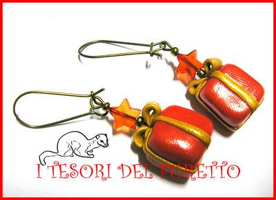 """Orecchini """"Natale Pacchetti 3D Rossi"""" fimo cernit 2012 idea regalo kawaii"""