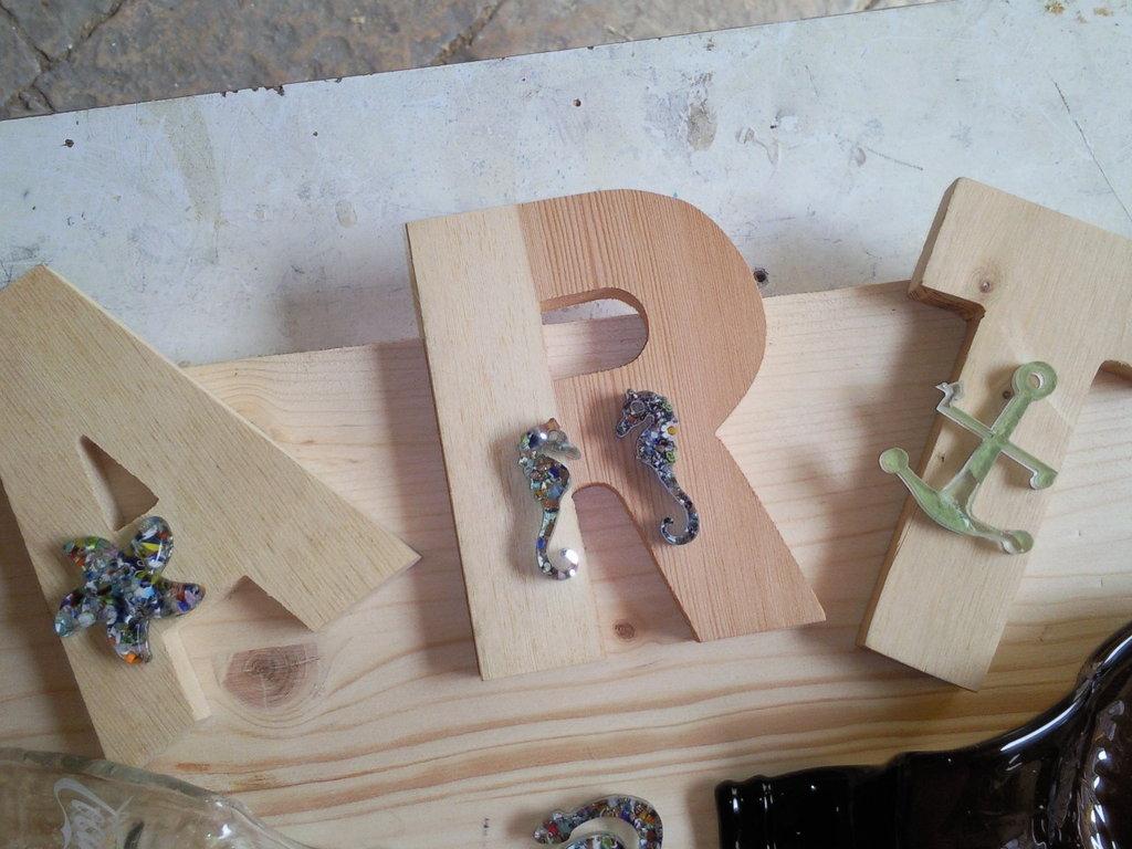 il tarlo art ricicla glass lettere in legno