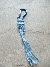 portachiavi macramé o accessorio da appendere alla borsetta