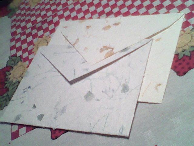 Sobres de papel reciclado artesanal