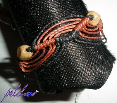 Braccialetto macramé nero e rosso