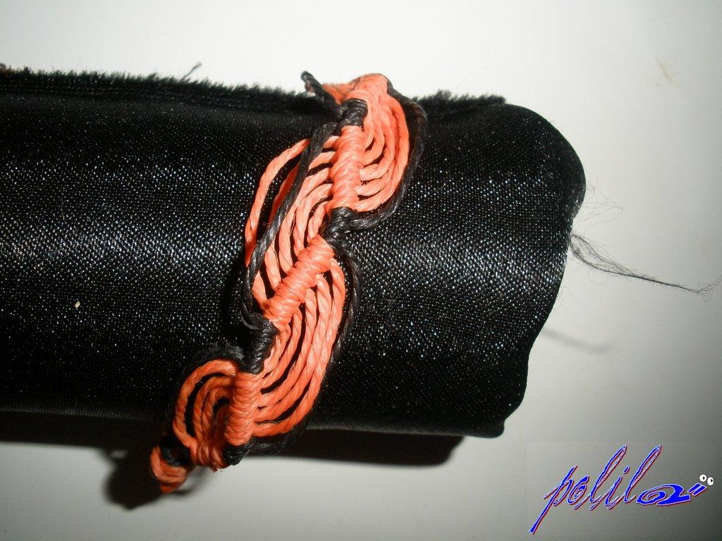 braccialetto brasiliano arancione e nero
