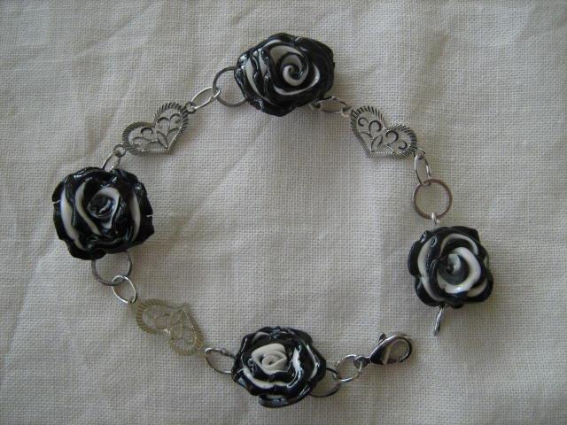 bracciale rose bianche e nere