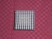 idea regalo 5 scatola quadrata blu con ricamo a  punto svizzero---gift idea,embroidery box