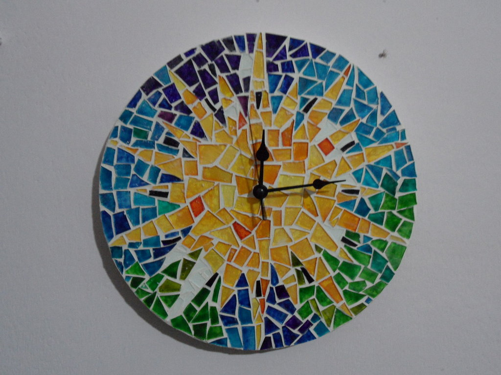 Orologio Gaudì  a mosaico di vetro