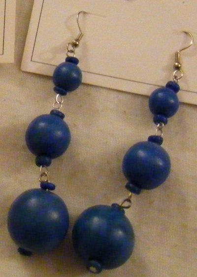 orecchini  con perle in legno