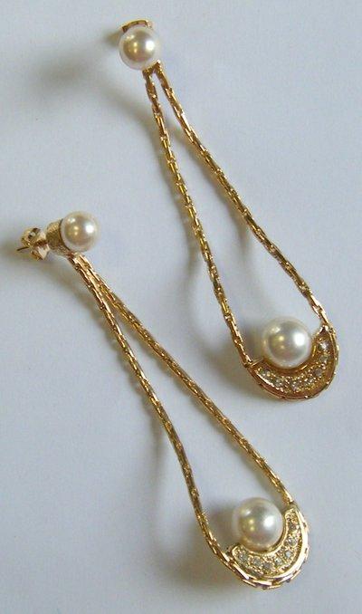 orecchini in metallo con perla e strass