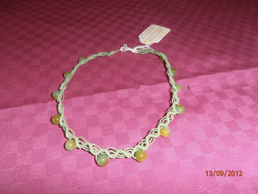 C30 Collana macramè verde con giada---Original macramè green necklace
