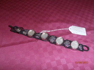B1 Bracciale originale macramè con bottoni antichi-----Original macramè bracelet with ancient bottons