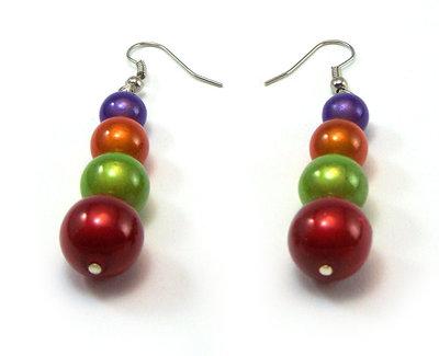 Orecchini fatti a mano con perle in colori brillanti