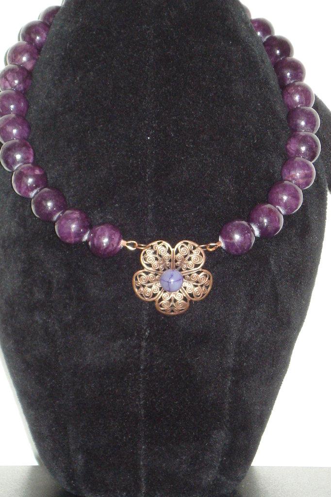 collana in giada viola con fiore
