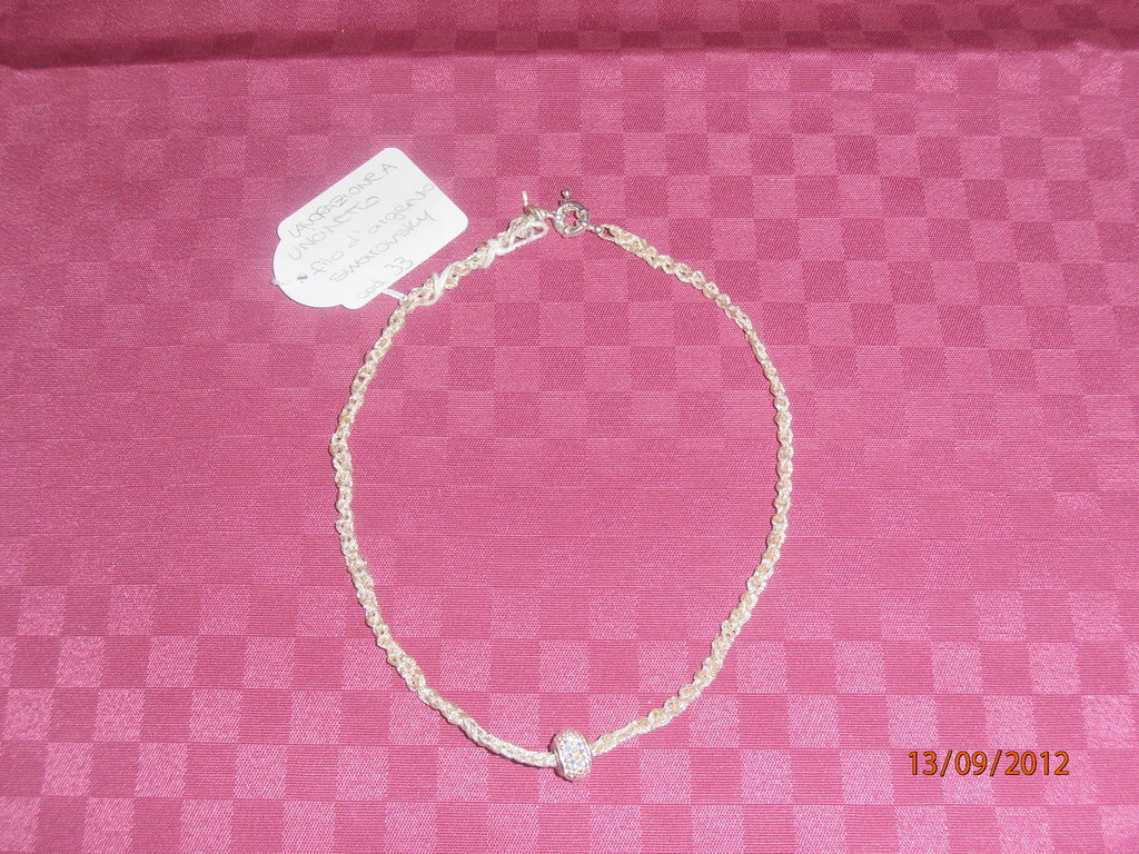 C12 Collana ad uncinetto con filo d'argento e Swarovsky----Crochet necklace with silver thread and Swarovsky