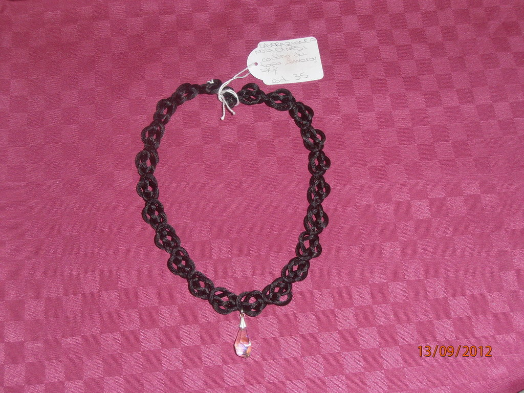 C15 Collana nodi cinesi nera con Swarovsky----black chinese knots necklace and Swarovsky
