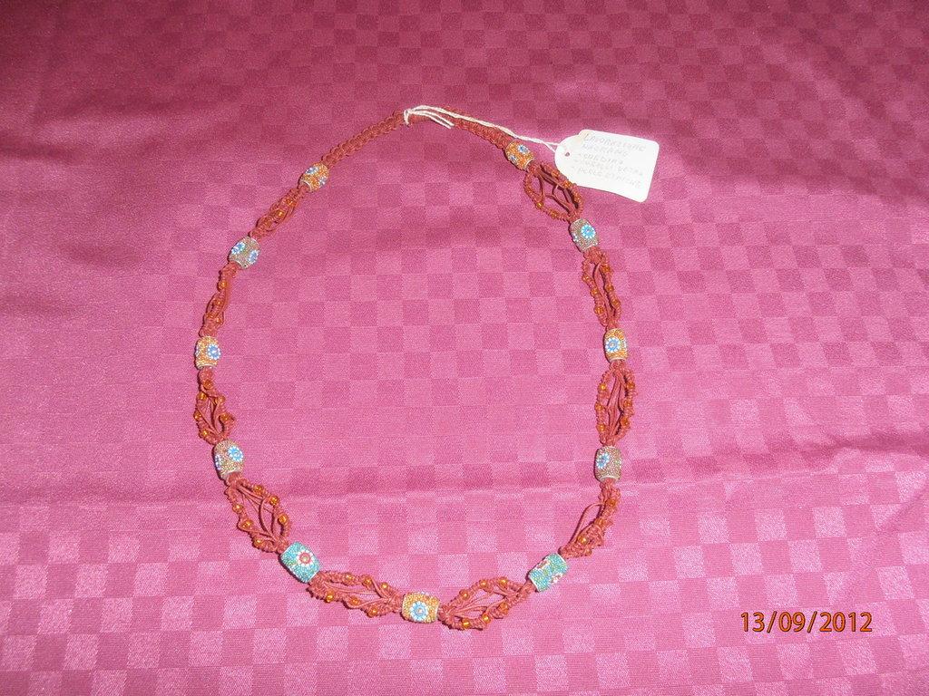 C20 Collana macramè con pietre etniche---macramè necklace with etnic beads