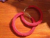 Orecchini cerchio in uncinetto misura media sia in rosso che in bianco e viola