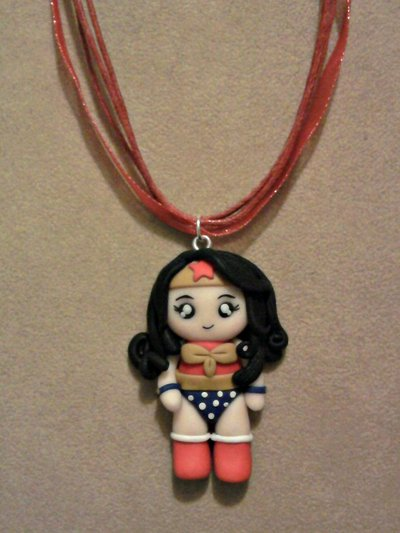 Collana con Wonder Woman fimo