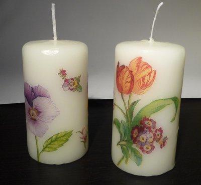 Coppia di candele con decoupage floreale