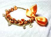 Bracciale catene dorate e raso - arancio