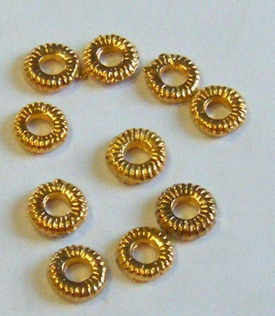 lotto 50 anellini chiusi diametro 1 cm