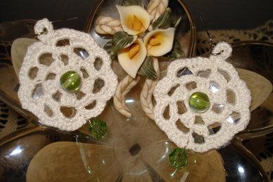 orecchini in cotone bianchi e verdi