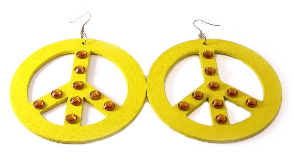 orecchini in legno color giallo neon con simbolo della pace